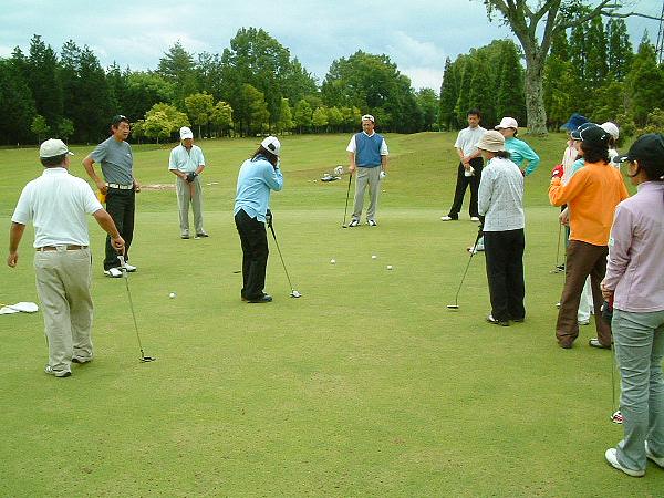 UGMゴルフスクール一社店